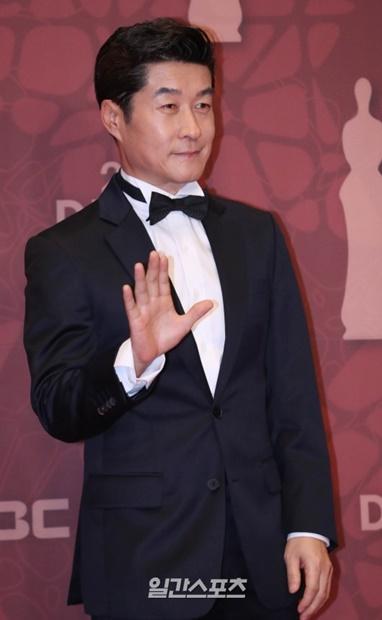 俳優のキム・サンジュン