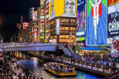 韓国人旅行客に人気の大阪・道頓堀。