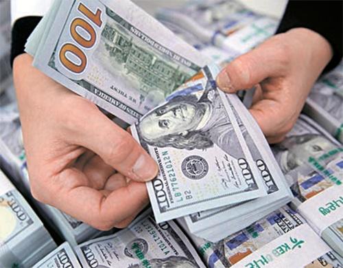 「為替操作国」避けた韓国、市場介入は難しく…ウォン高加速も