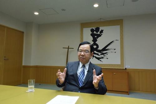 日本共産党の志位和夫委員長が25日、党本部で中央日報のインタビューに応じている。