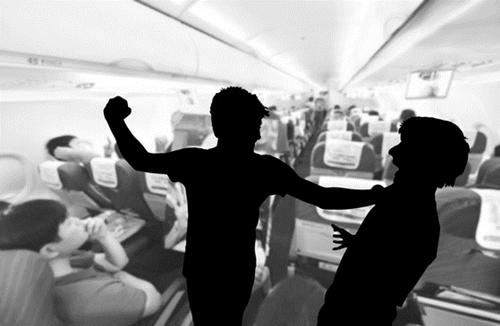オンライン旅行会社のエクスペディアが23カ国・1万8229人を対象にアンケート調査を実施した結果、機内では前の座席を蹴る乗客、ホテルではもめ事を起こす子どもを放置する親を最低のマナー違反者に挙げた。(写真=中央フォト)