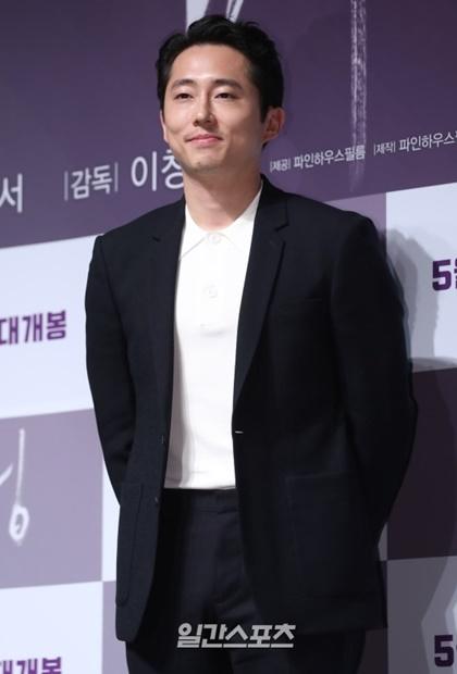 韓国系米国俳優スティーヴン・ユァン