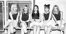 ガールズグループ「Red Velvet」は、最近、中南米で最も高い人気を誇る韓流スターだ。その歌だけでなく、ファッションやメイク方法も現地で人気だ。(写真=中央フォト)