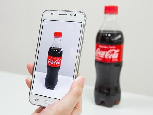 コカ・コーラ製品をスキャンすると…。