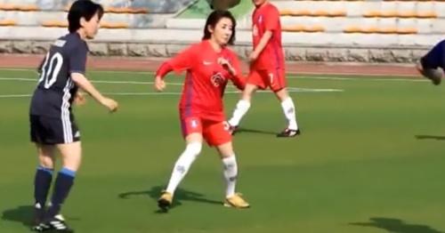 昨年6月17日に開催された第10回韓日国会議員サッカー大会で試合に出場した羅卿ウォン(ナ・ギョンウォン)自由韓国党議員。(写真=羅卿ウォン自由韓国党議員のフェイスブックのキャプチャー)