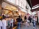 ソウルで「プチプラ」ショッピングするなら?韓国ファッション好きなら地下鉄2号線梨大(イデ)駅からすぐの「梨大ファッション文化通り」も候補のひとつでは。