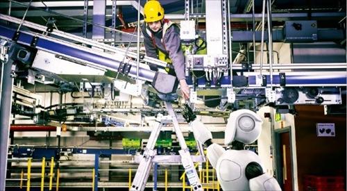 英オンラインスーパーマーケット1位のオカドが開発中のヒューマノイドロボット。(オカド提供)