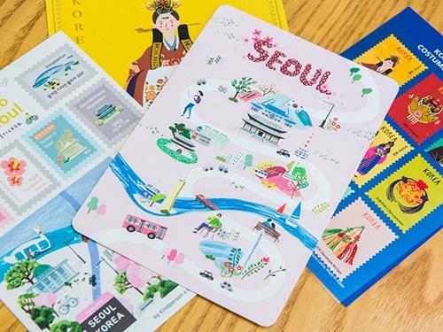 ポストカードや切手風のシールは、ソウルの街の様子や韓国の伝統スタイルがポップなデザインで描かれています。