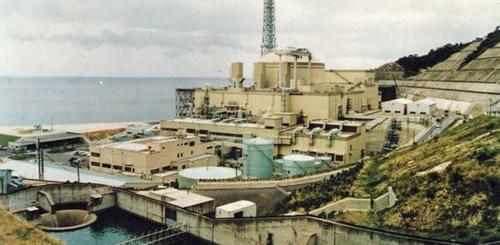 福井県敦賀市の高速増殖炉もんじゅ(中央フォト)