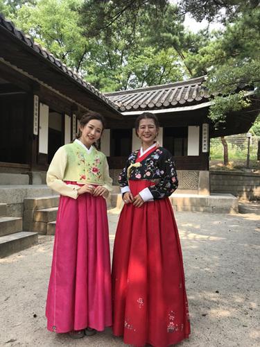 韓国観光公社は23日、韓国観光公社ソウルセンターで日本のタレントのスザンヌさんを韓国観光名誉広報大使に任命した。