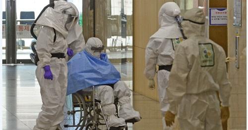 2月、中東呼吸器症候群(MERS)感染が確認された大邱市(テグシ)大明3洞の住民センターの公務員(52)が健康状態が悪化し、治療を受けていた大邱医療院から慶北大病院に移されている。(写真は記事と関係ありません)(中央フォト)