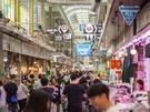 昔ながらの市場から、おしゃれなカフェまでが点在する望遠(マンウォン)洞。旅行客にはまだマイナーなエリアなので、地元の人たちに混じって韓国グルメを堪能できるおすすめの隠れスポットなのです!