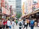 日中は気温が30度近くになる日も出てきた初夏のソウル!南大門(ナンデムン)市場には、ショッピングのお供に最適な夏の屋台グルメが登場しています。