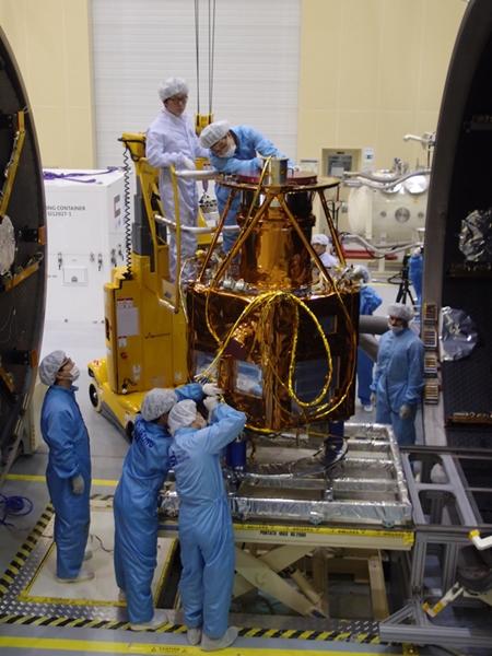 韓国ベンチャー企業サトレックアイが製作したUAEの人工衛星「DubaiSat-2」。