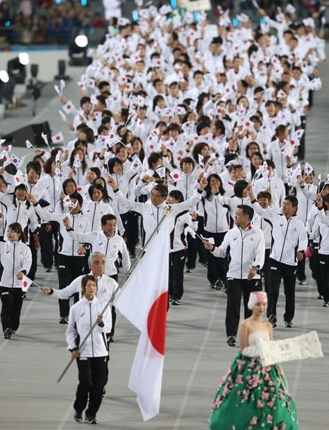2014年仁川アジア競技大会開会式の日本選手団。(写真=共同取材団)
