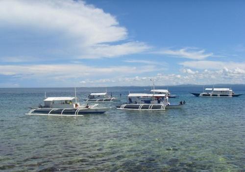 フィリピンのセブ島(中央フォト)