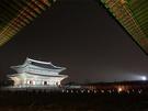 猛暑が続くソウル。おすすめは暑さが和らぐ「夜」の観光です。景福宮では季節ごとに夜間観覧を行っており、昼とはひと味違う顔を楽しみにする人も多く、人気の行事として定着しつつあります。