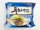 辛いのが苦手な人におすすめなのは、農心の「ドゥンジ冷麺 トンチミ水冷麺(1,500ウォン)」。