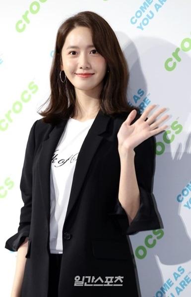3日午後、ソウル新寺洞ホリムアートセンターで開かれたクロックスのロンチングイベントに登場した少女時代のユナ