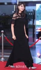 3日午後、ソウル永登浦区汝矣島洞KBSホールで開かれた「ソウルドラマアワード2018」のレッドカーペットイベントに登場した女優の藤井美菜