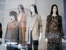 大型店だけでなく、ロードショップでもセーターやジャケットスタイルといった、秋らしいコーデが主流となっています。