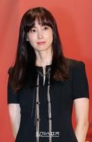 女優イ・ナヨン