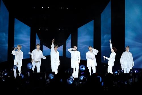 防弾少年団(BTS)が米ニューヨークのシティ・フィールドで「Love Yourself」北米ツアーの有終の美を飾るフィナーレ公演をしている。(写真=Big Hitエンターテインメント)