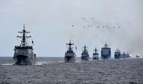 9日、済州近海上で国際観艦式の海上パレードのリハーサルが行われている。(写真=海軍)