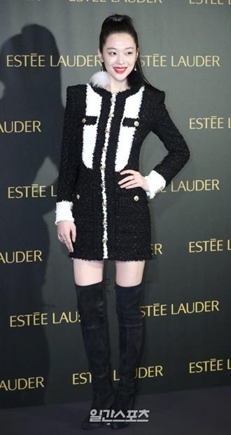 10日午後、ソウル会賢洞(フェヒョンドン)レスケープホテルで開かれたビューティーブランドの新製品発売イベントに参加している韓国の女優、ソルリ。