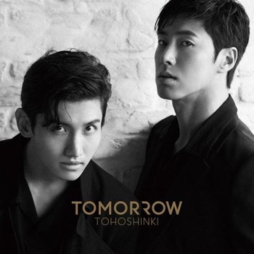 東方神起の最新アルバム『TOMORROW』