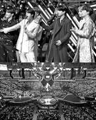 韓経:日本列島を惹きつけた韓流…BTS・Wanna Oneに「熱狂」