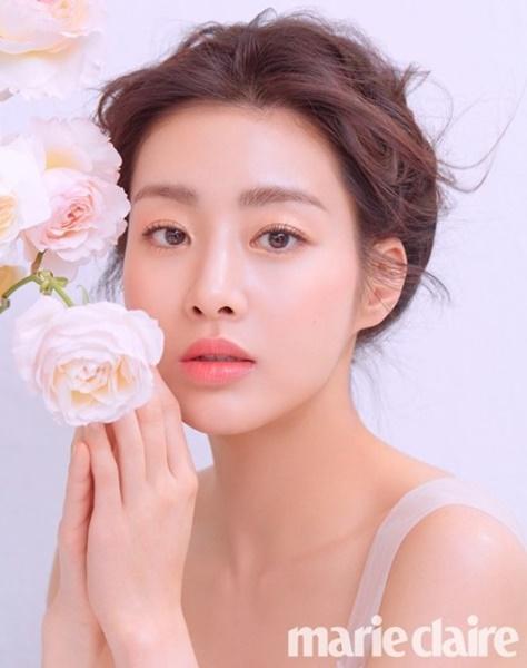 女優カン・ソラ