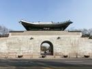 景福宮西側にある迎秋門(ヨンチュムン)が昨年12月、43年ぶりに開放され、付近のエリアである「西村(ソチョン)」にも注目が集まっています。