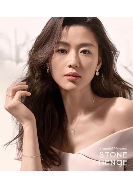 女優のチョン・ジヒョン(写真提供=StoneHenge)