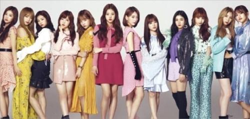 12人組韓日ガールズグループ「IZ*ONE(アイズワン)」が今月6日の日本デビューシングル発表後、一日で合計19万枚販売し、日本進出K-POPガールズグループ最高記録を打ち立てた。韓国のアーティスト育成と日本の音楽マーケティングがシナジーを出して人気を集めている。