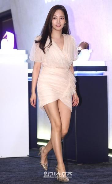 27日午後ソウル中区獎忠洞バンヤンツリークラブ&スパソウルで開かれたDPCのロンチングイベントに参加した女優パク・ミニョン