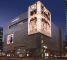 バスケットボールコート3面分の広告看板…COEX通り「韓国版タイムズスクエア」変身