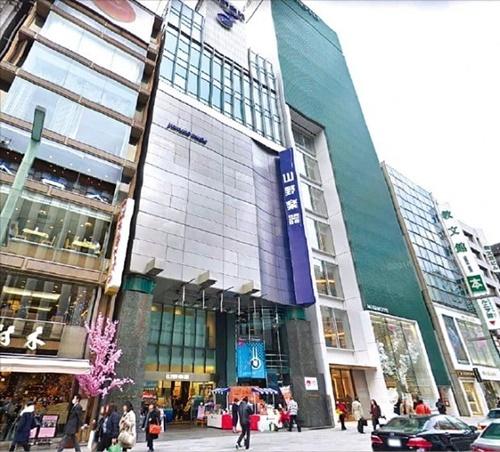 東京の公示地価が6年連続で上昇したことがわかった。最も高い土地となった東京・銀座の山野楽器銀座店。(写真=グーグルストリートビュー)