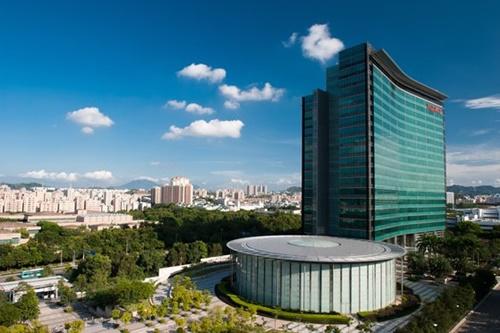 中国深センにあるファーウェイの研究開発センターでは約2万人の研究開発者が勤務している。ファーウェイは深センのほか、東莞団地にある研究開発センターにも約6万人の研究開発者がいる。(写真=ファーウェイ)
