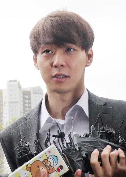 26日、水原地裁で開かれた令状実質審査に参加したパク・ユチョン容疑者。(写真=韓国ニッカンスポーツ)