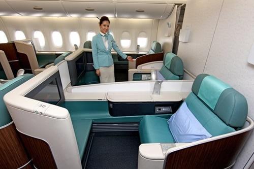 来月1日から大韓航空の国際線の70%からファーストクラスが消える。写真は大韓航空のエアバスA380。(写真=中央フォト)