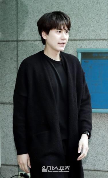 7日午後、社会服務要員の服務を終え、ソウル城北視覚障害人福祉館から出ているSUPER JUNIORキュヒョン