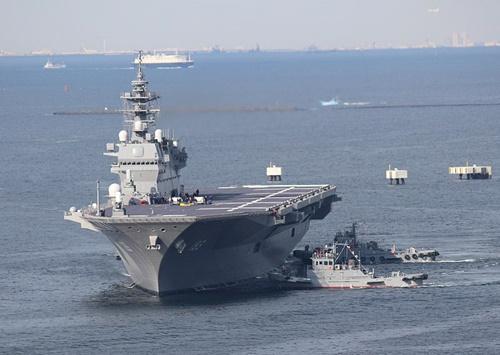 日本の護衛艦「いずも」