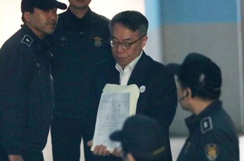 「司法壟断」で起訴された林鍾憲(イム・ジョンホン)元法院行政処次長が3月19日、ソウル中央地裁で行われた2回目の公判に出席している。
