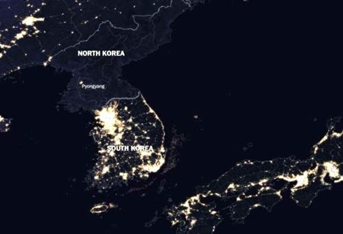 北朝鮮の夜の光量を示す衛星写真(写真提供=ヒューマン・プログレスのツイッター)
