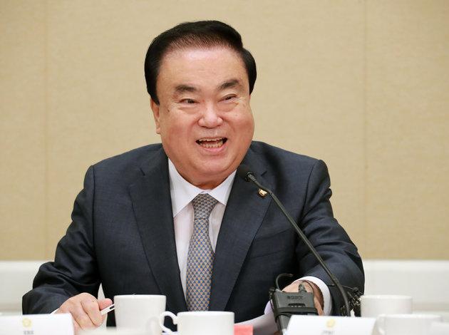 文喜相(ムン・ヒサン)国会議長