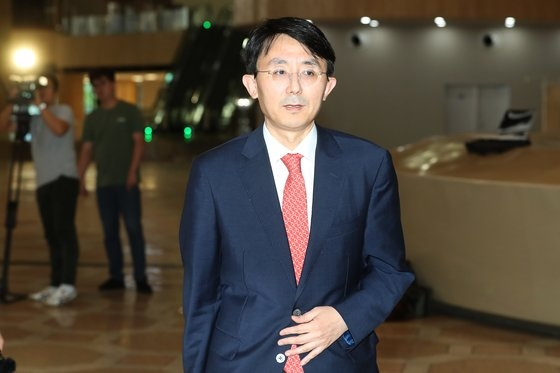 外交部の金丁漢アジア太平洋局長が11日午後に金浦空港から出国している。