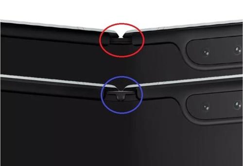 Galaxy Fold(ギャラクシーフォールド)修正版には従来品(赤色の円内)とは違い、ヒンジの部分に保護キャップ(青色の円内)をつけた。[写真 The Verge]