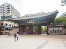 ソウル市庁・ソウル広場前にある朝鮮王朝の王宮、徳寿宮(トクスグン)。