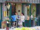 路地裏に静かに佇むおしゃれカフェたち。自分だけのお気に入りカフェを探しに、延南洞を気ままに散策してみてはいかがでしょうか?